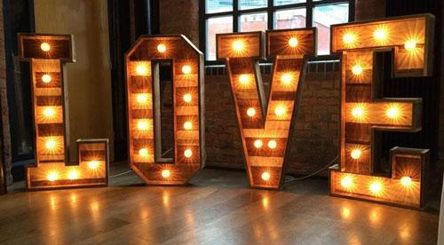 location-lettres-geantes-decoration-love-pour-mariage
